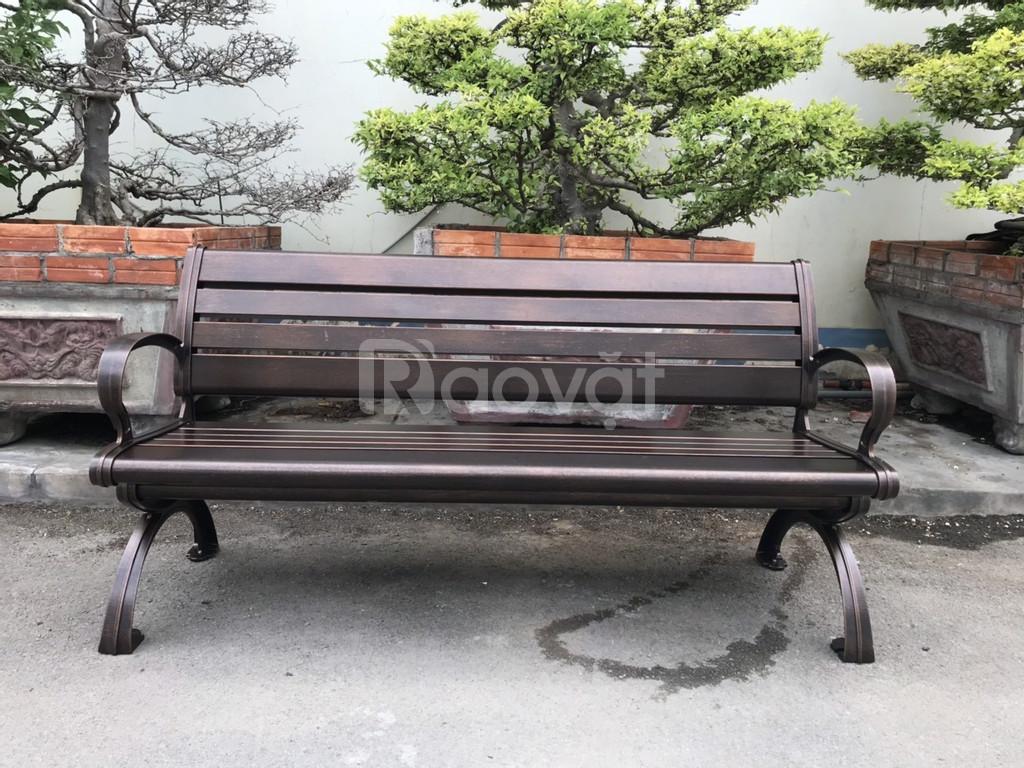 Băng ghế công viên ngoài trời