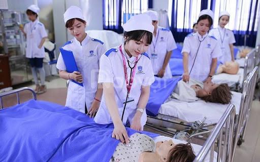 Tuyển sinh lớp cao đẳng điều dưỡng tại Bình Phước