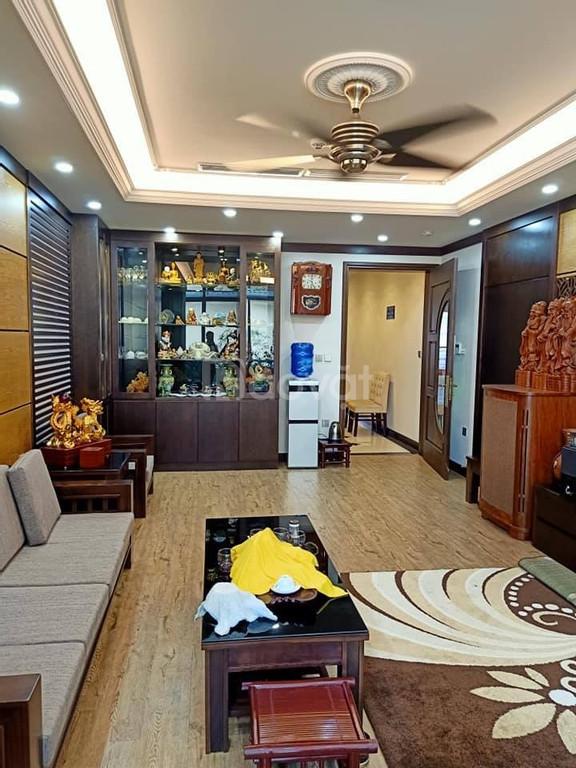 Bán nhà Hoàng Văn Thái ô tô 7 chỗ vào nhà, MT 4,2m, sát MP 45m2*5T, 6.5 tỷ