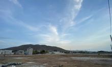 Lô góc 142m2 full thổ cư, sổ sẵn gần biển Long Hải, 700 triệu