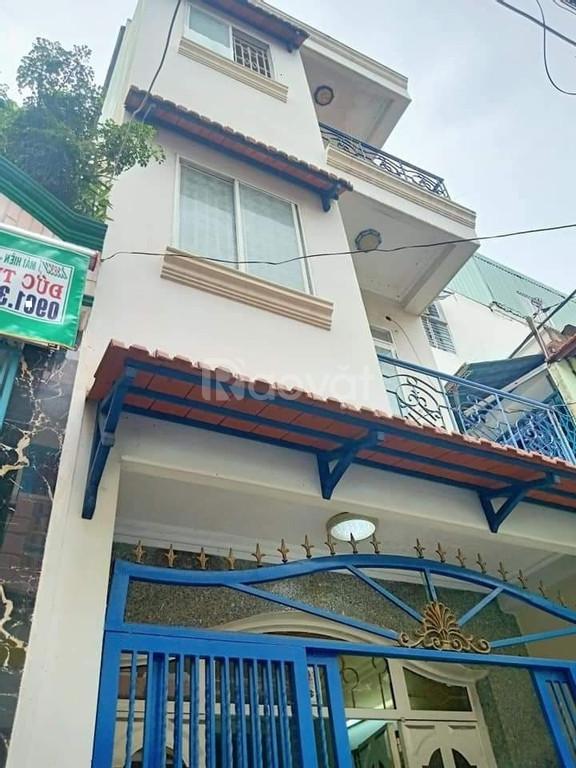 Nhà bán HXH đường Tôn Đản Quận 4, 3 tầng, 3.5x11m, giá chỉ 3.35 tỷ.