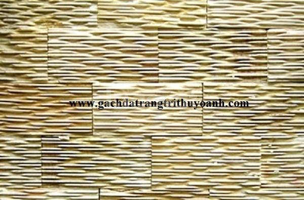 Đá răng lược vàng ốp lát trang trí