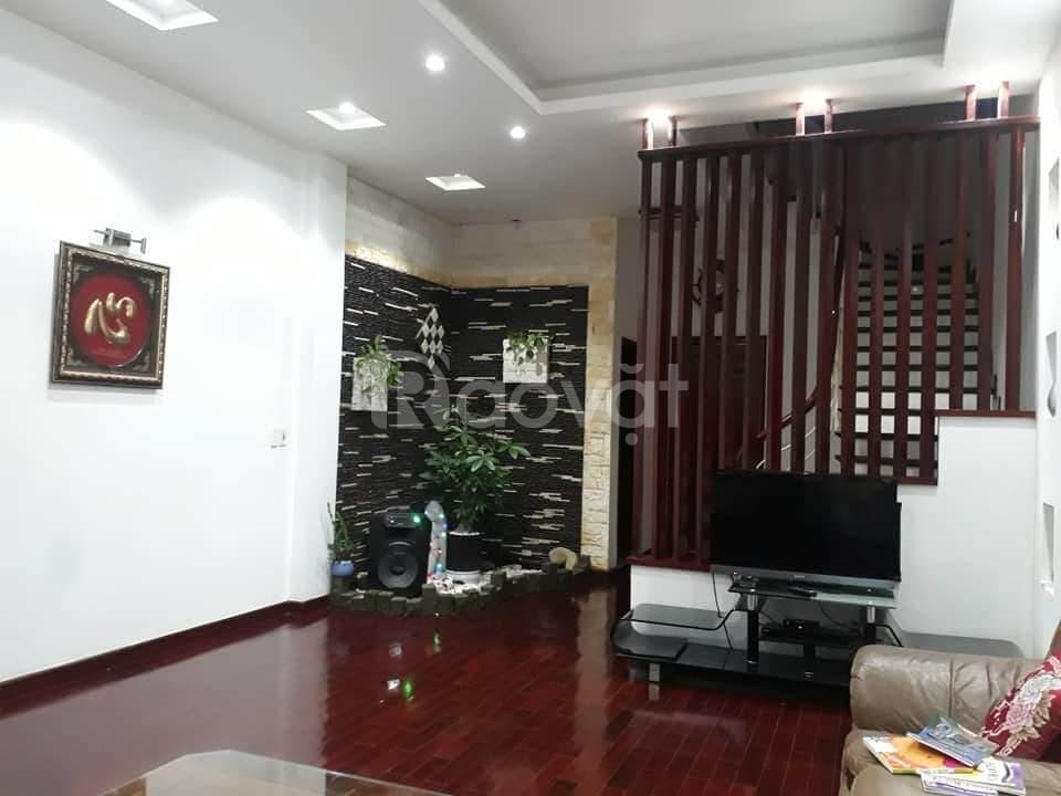 Bán nhà phân lô Hoàng Như Tiếp, Long Biên diện tích 100m2 mặt tiền 8m