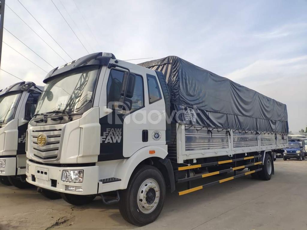 Giá xe tải faw 8 tấn thùng dài 9.7 mét chở cấu kiện điện tử nhập khẩu