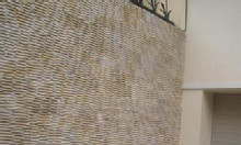 Đá răng lược vàng ốp lát trang trí tường