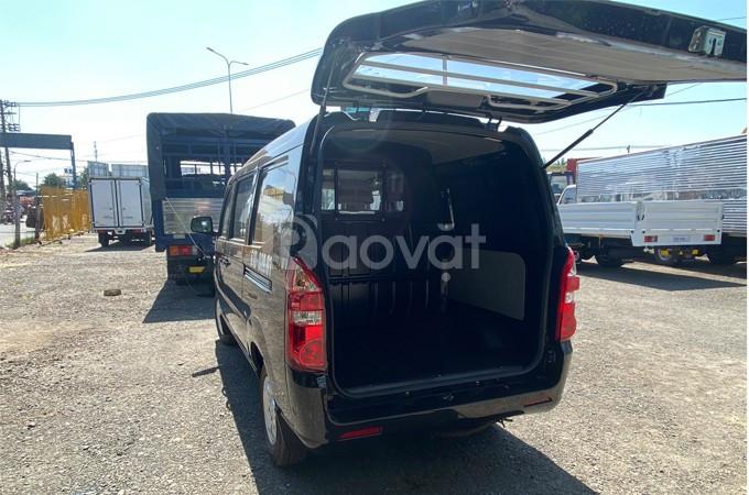 Xe tải van Kenbo 5 chỗ 650kg chạy phố 24/24 thùng xe rộng rãi