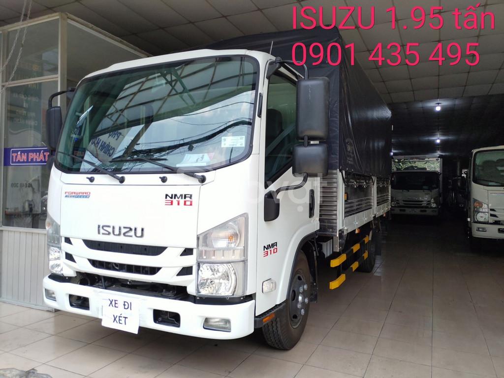 Isuzu 1.950kg, khuyến mãi 50% thuế, máy lạnh, thùng bạt 4.5m