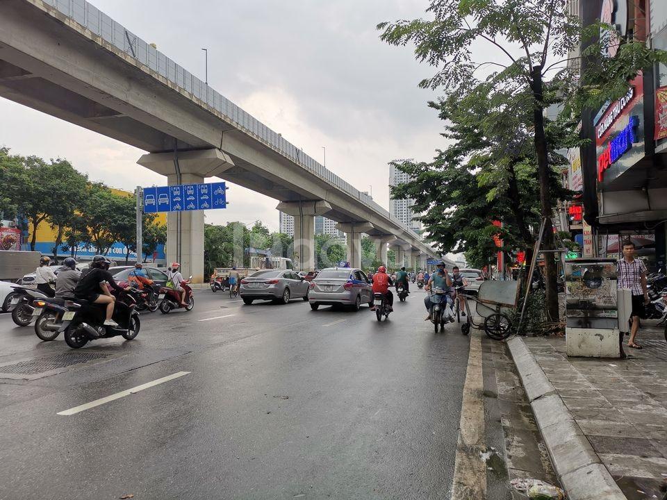 Bán nhà mặt phố Nguyễn Trãi, mặt tiền 5m, vỉa hè 3m, 9 tỷ