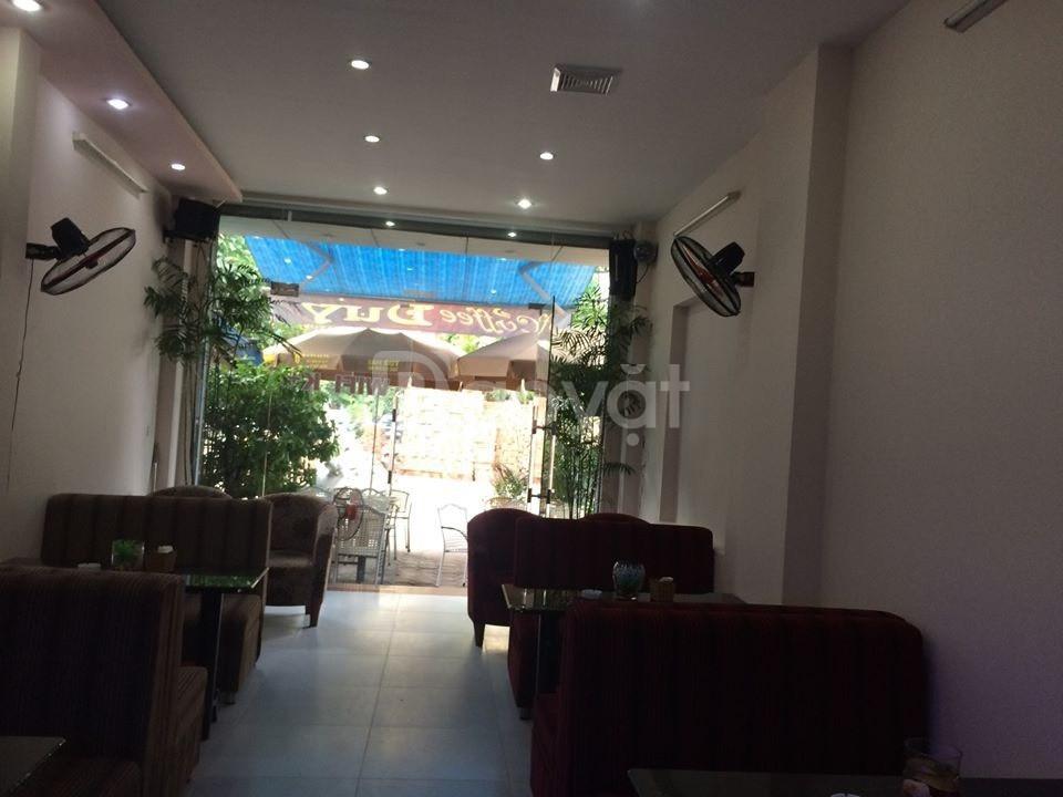 Cần cho thuê mặt bằng kinh doanh 3 tầng mặt đường Nguyễn Hoàng