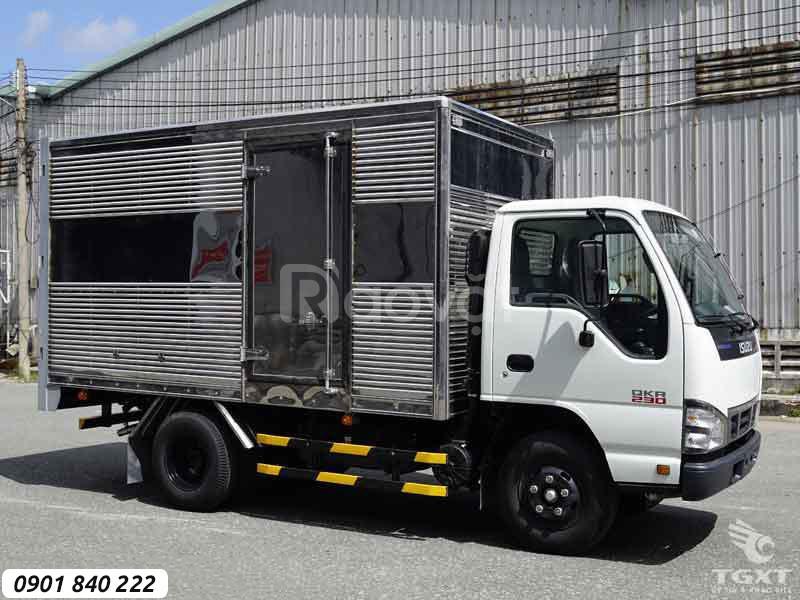 Isuzu QKR230 thùng kín, trả trước 20% nhận xe