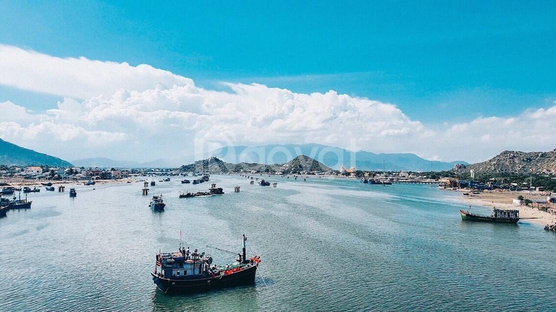 Cần bán 135m2 đất biển sổ đỏ gần Resorts 5 sao cao cấp Hòn Cò