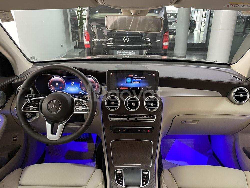Mercedes GLC 200 4Matic Model 2020 màu đen chạy lướt 3000 km rẻ