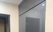 Gia đình tôi cần bán gấp căn hộ 3PN 90m2 nội thất cơ bản, view nội khu