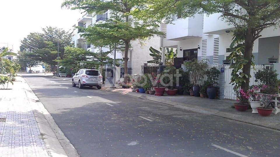 Biệt thự sân vườn 204m2 vừa hoàn thiện đường Trịnh Như Khuê