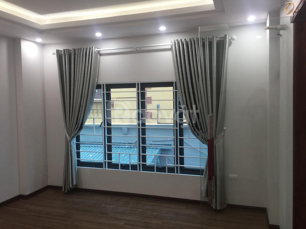 Bán nhà tại phường Phú Thượng, 35m2 x 5 tầng, ô tô cách 5m, ngõ thông