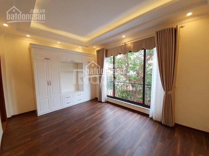 Bán nhà riêng phố Phú Thượng 35m2 xây 5 tầng, nội thất cơ bản - ô tô đậu cổng, giá 2.25 tỷ
