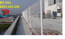 Hàng rào lưới thép mạ kẽm chấn sóng trên thân, hàng rào ngăn cách kho