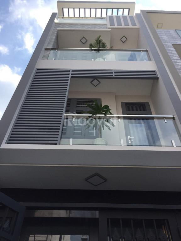 Cần tiền bán gấp nhà cư xá Phú Bình P5 q11