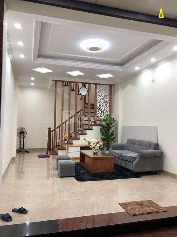 Bán nhà riêng Phường Xuân Đỉnh 35m2*5 tầng, ôtô 16 chỗ đỗ cổng - ngõ thông giá 2.9 tỷ