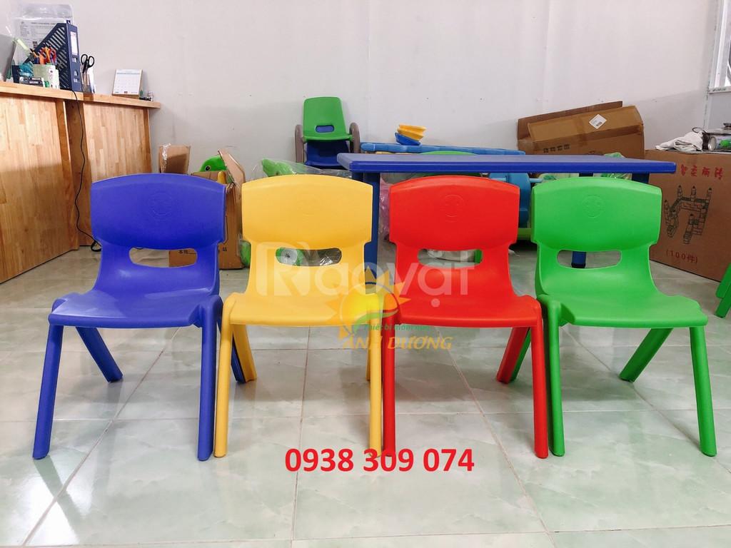 Bàn ghế nhựa mầm non nhập khẩu