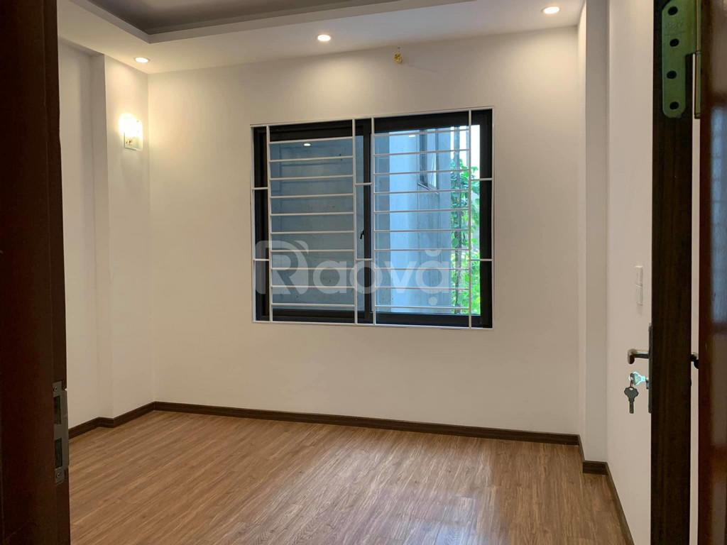 Bán nhà Thượng Đình, 35 m2, chủ nhà tự xây dựng, ngõ ô tô, kinh doanh
