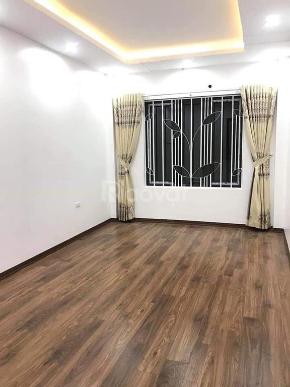 Bán nhà Nguyễn Lương Bằng, cách đường oto 10m, 50m2 , mt 4.5m, 4 tầng