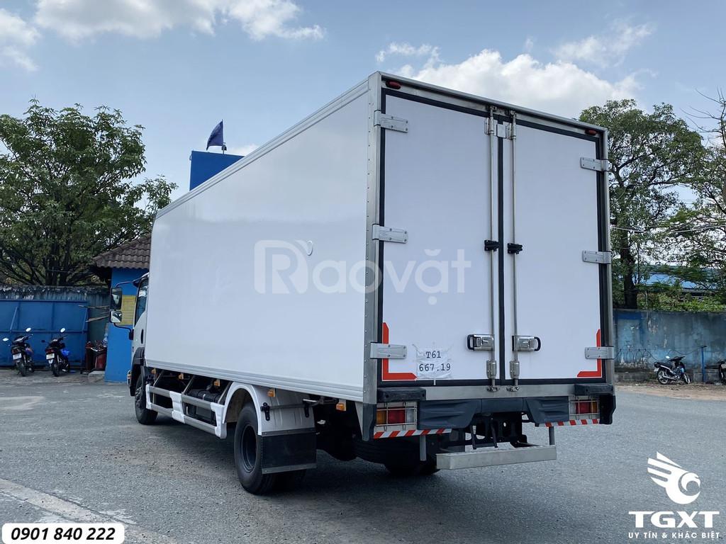 Isuzu FRR650 thùng bảo ôn, tải 6T, trả trước 20% nhận xe