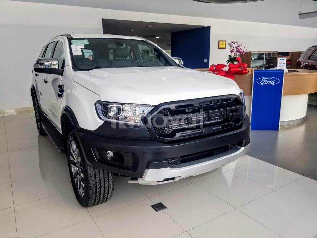 Ford Everest Titanium 4X2 bản độ thể thao