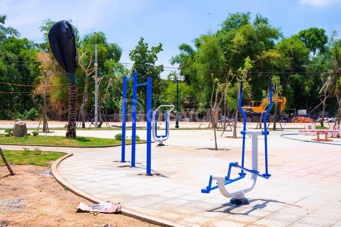 Bán nhanh lô đất mặt tiền công viên, khu dân cư đông đúc
