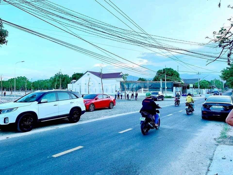 Bán đất mặt tiền đường Đinh Tiên Hoàng, giá đầu tư 750 triệu