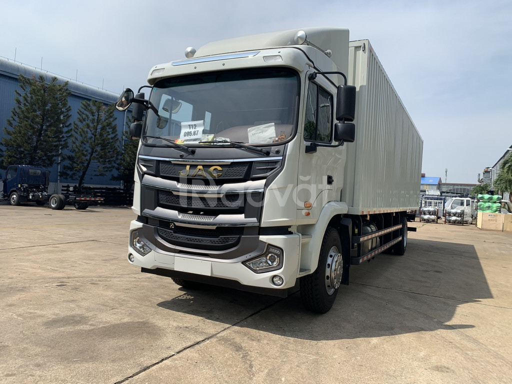 Giá xe tải jac 8 tấn thùng kín chở linh kiện điện tử nhập khẩu 2020
