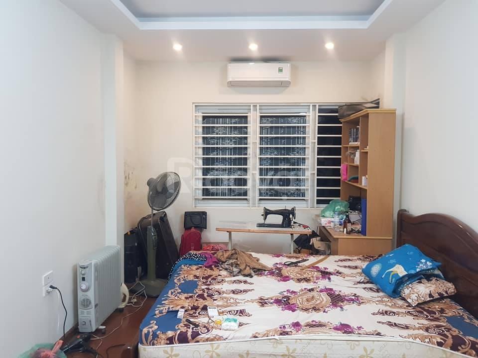 Nhà trong ngõ to phố Tôn Đức Thắng 32m2x6 tầng, mt 3.2m giá 5.2 tỷ