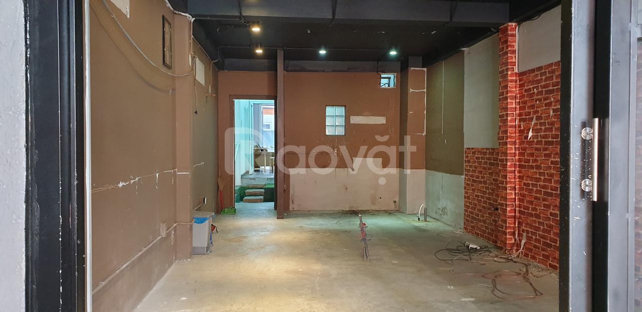 Cho thuê nhà NC HXT Q1, cách chợ Bến Thành 500m (ảnh 8)