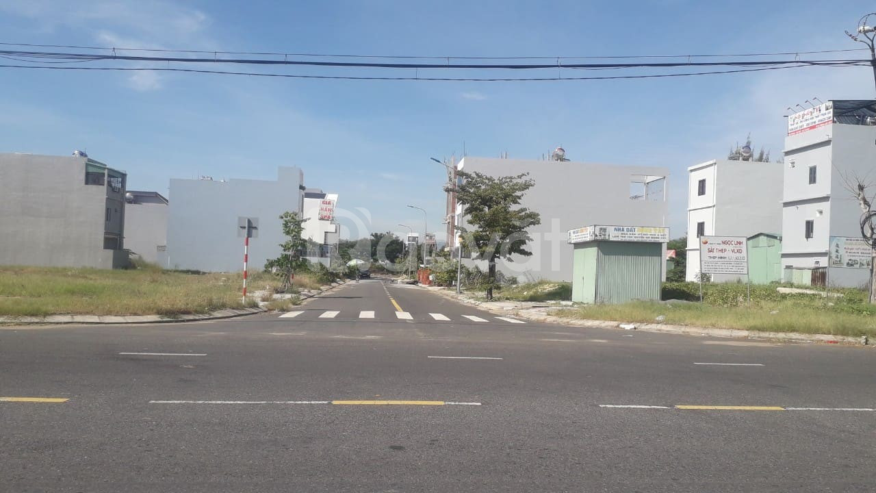 Bán 2 lô liền kề A1 đường 7m5 thông biển khu đô thị thương mại