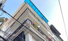 Bán nhà Đội Cấn diện tích 35m, 5 tầng, mặt tiền 4m, cách mặt phố 50m.