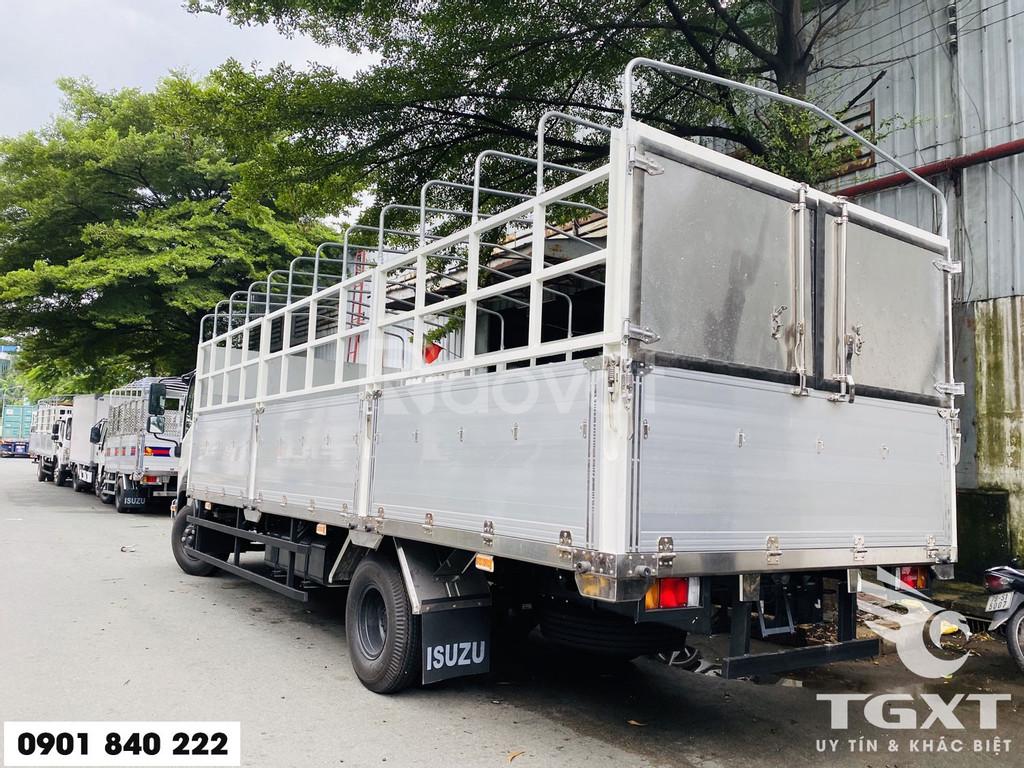Xe tải Isuzu FRR650 thùng bạt, tải 6T5 thùng 6m7, trả trước 20%