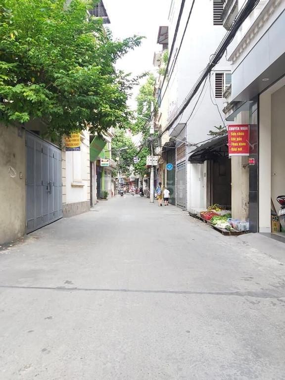 Nhà 4 tầng Vương Thừa Vũ, 35m2, ô tô đỗ cửa, ngõ thông, giá 5 tỷ