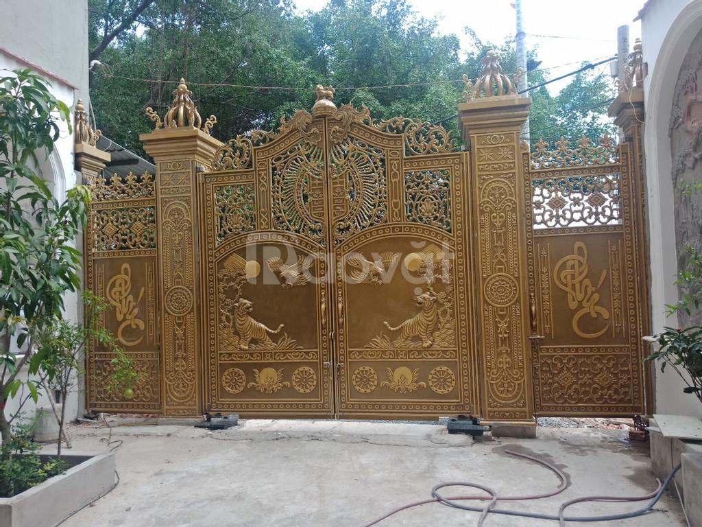Cổng biệt thự cổng nhôm đúc