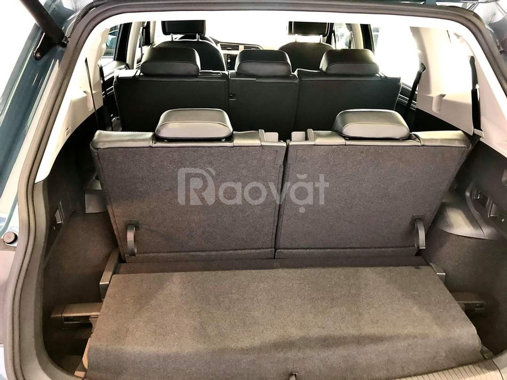 Volkswagen Tiguan bản cao cấp ưu đãi 100% phí trước bạ (180tr)