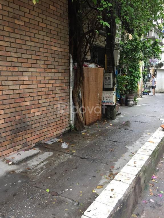 Nhà phường Ô Chợ Dừa, quận Đống Đa, ôtô cạnh nhà
