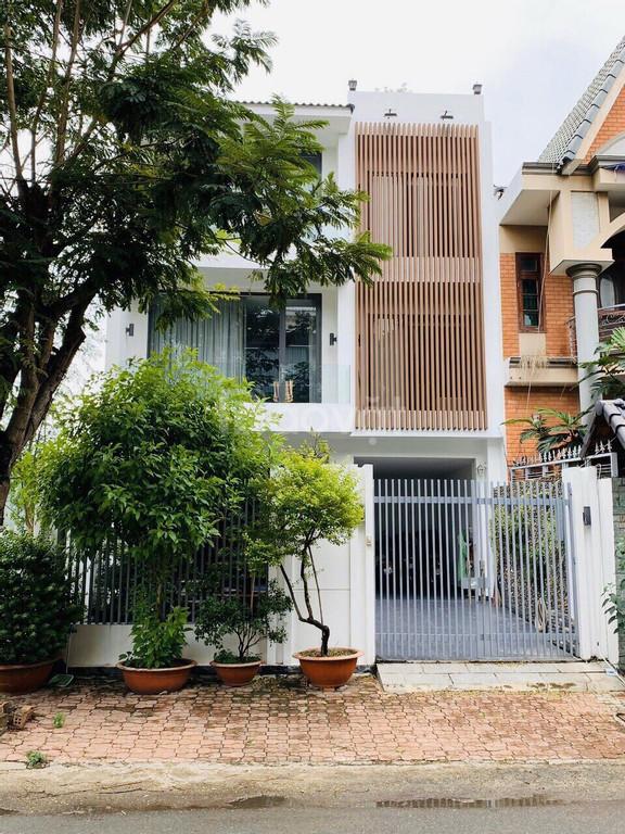 Cần bán nhà phố vườn khu Nam Long Trần Trong Cung Quận 7