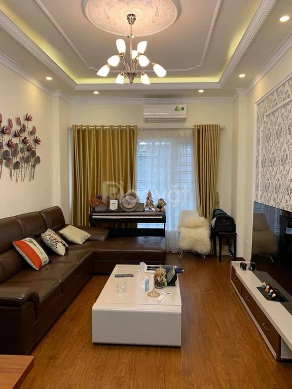 Phố Minh Khai nhà 5 tầng 43m2 ngõ thông kinh doanh giá 3.8 tỷ