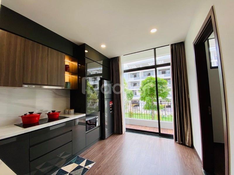 Bán nhà riêng phố Phú Thượng 35m2 xây 5 tầng, nội thất cơ bản - ô tô đậu cổng, giá 2.35 tỷ