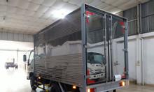 Isuzu 2.5 tấn, thùng kín 3.6m,KM tiền mặt 9.4tr, 50% thuế