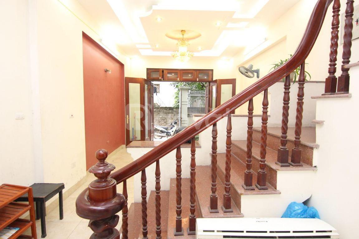 Cần tiền phát triển kinh doanh bán gấp nhà tại Yên Phụ Tây Hồ