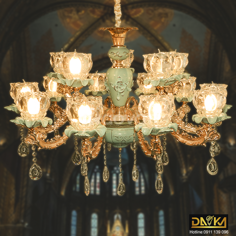 Đèn chùm pha lê kiểu dáng cổ điển Daika