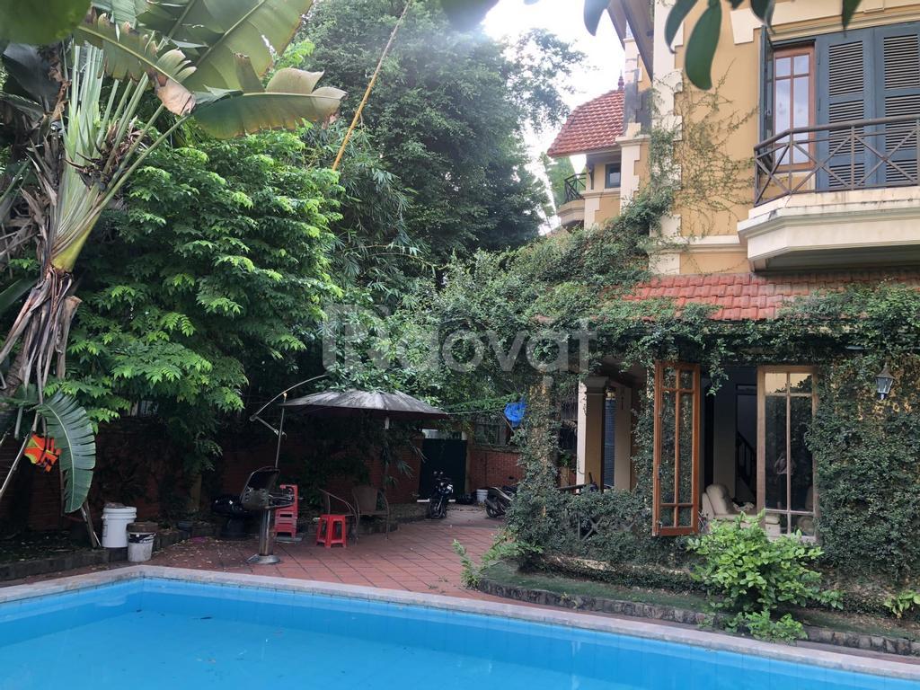 Bán villa 400m2 ngõ 209 Đội Cấn, Ba Đình có bể bơi