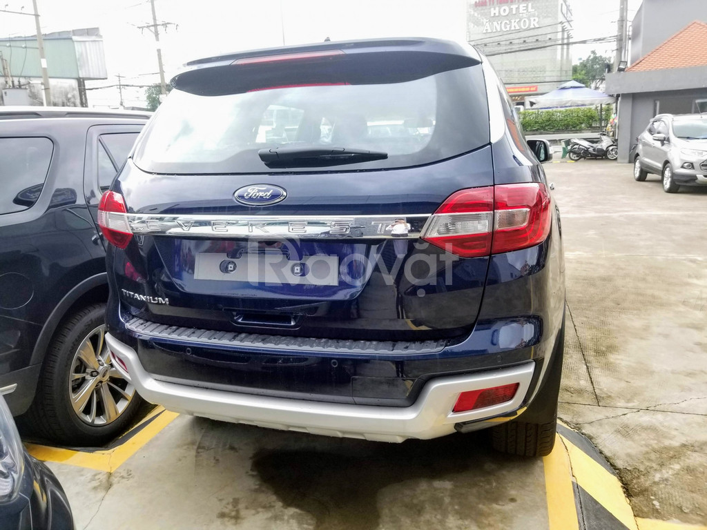 Ford Everest Titanium  Deep Blue  Giao ngay