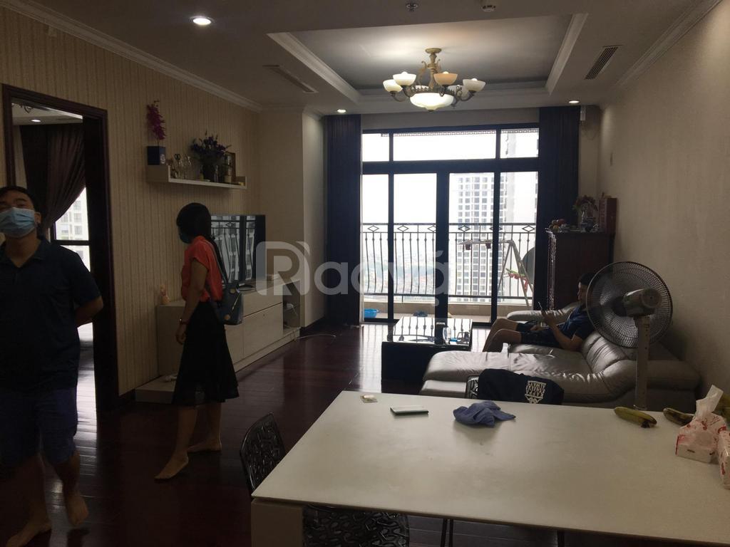 Bán gấp căn hộ Royal city 132m2 2PN giá 4.8 tỷ