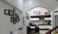 Bán nhà trung tâm Cầu Giấy, 41 m2, giá rẻ như mua đất